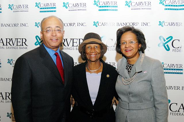 nyc-comptroller-william-c-thompson-jr-with-naacp-president-hazel-dukes-and-carver-ceo-deborah-wright