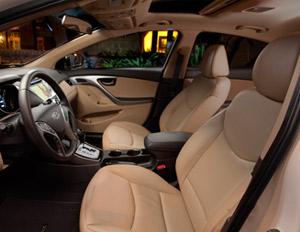 2011 Hyundai Elantra interior