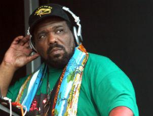 afrika bambaataa dj headphones