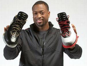 dwayne-wade-holding-li-ning-sneakers