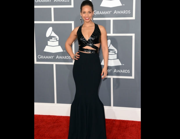 Alicia Keys showed off her all-black dress at the 55th Annual Grammy Awards.