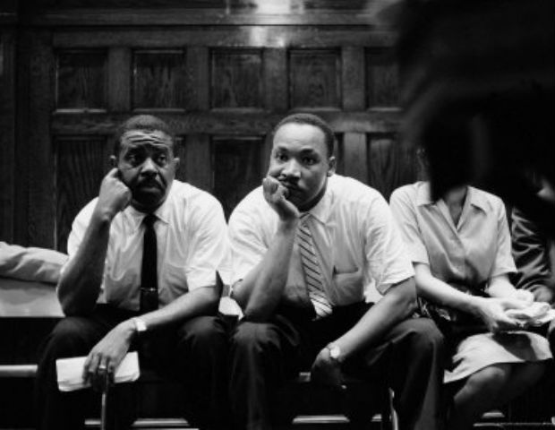 ralph abernathy and mlk sitting down