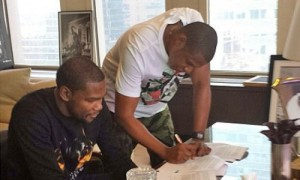 kevin durant signing contract with jay-z