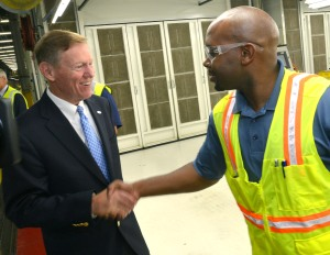 alan mulally and ford employee