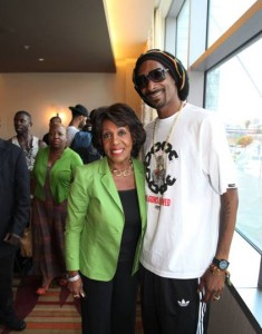 snoop lion and maxine waters