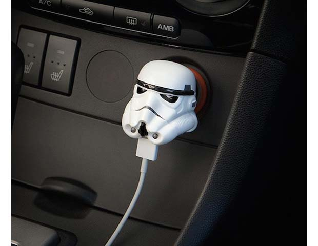 Stormtrooper-USB-Car-Charger-01