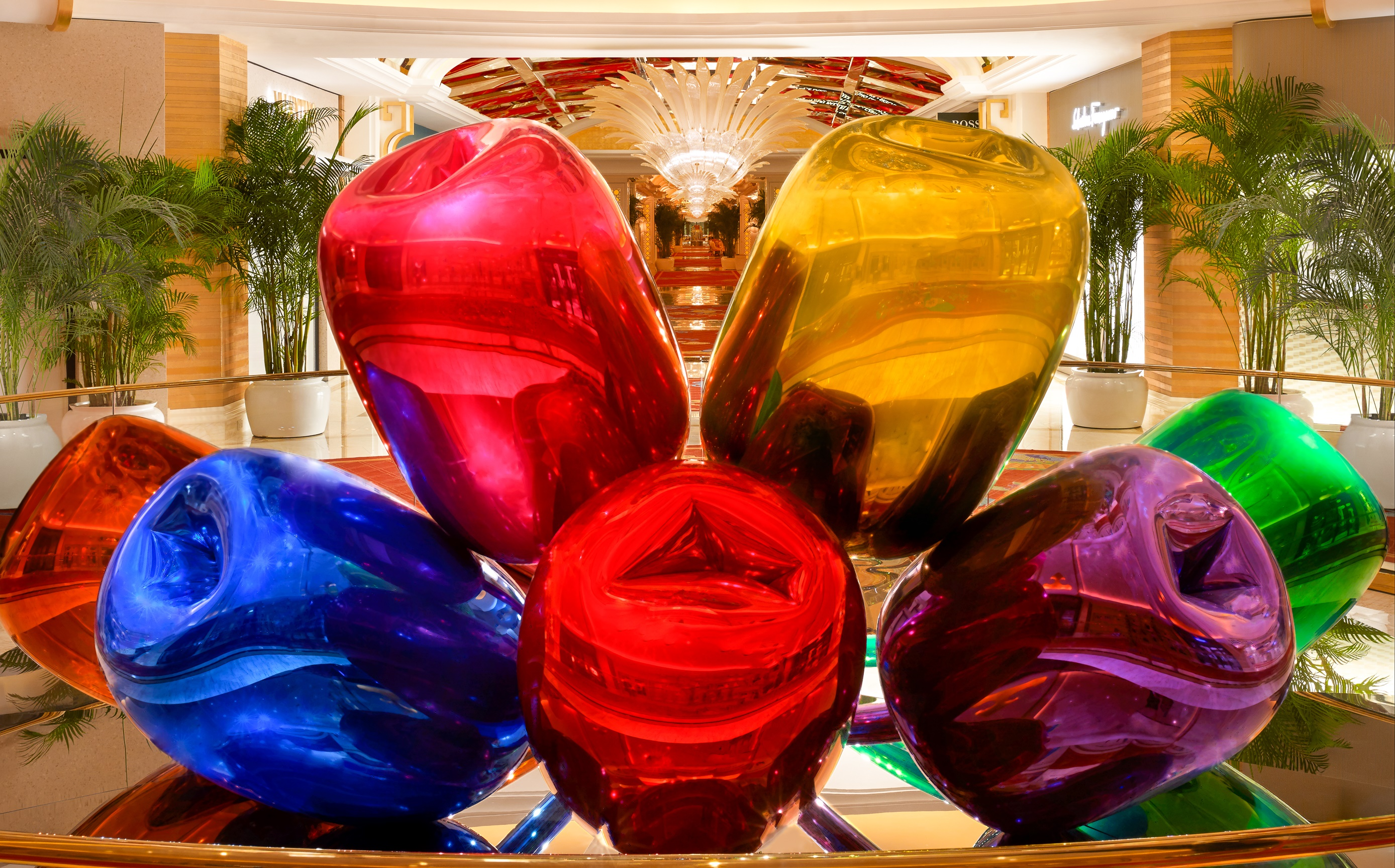 Tulips by Jeff Koons; photo by Barbara Kraft